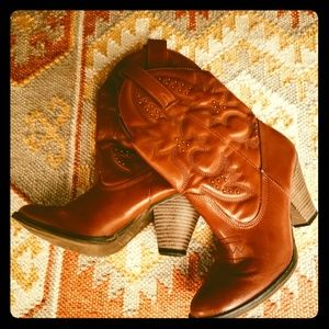 MIA Girl Cowboy Booties /Tan / 6.5